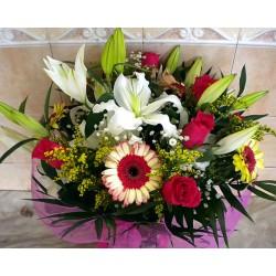 Seasonal Flower Bouquet 02