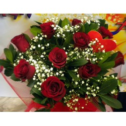 rose bouquet for valentine's day by flower shop Anoiksi
