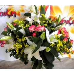 Seasonal Flower Bouquet 06