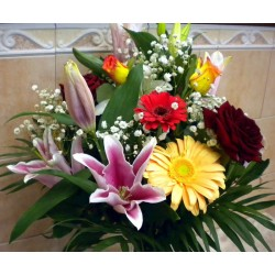 Seasonal Flower Bouquet 10