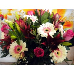 Seasonal Flower Bouquet 11